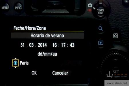 Menú de cambio de fecha en una cámara fotográfica. Change of date menu in a camera